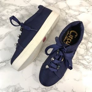Circus by Sam Edelman Charm Lace up Sneakers